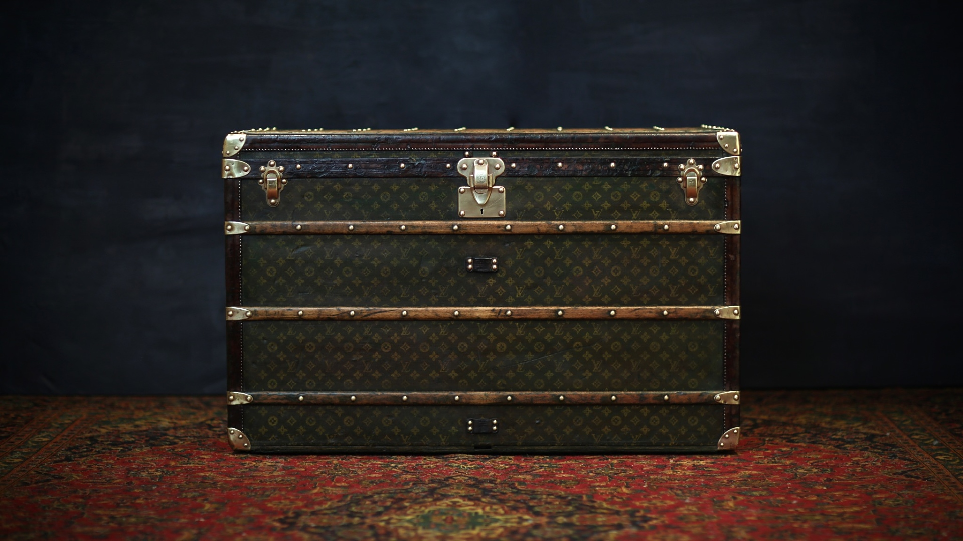 the-trunk-louis-vuitton-homepage-117