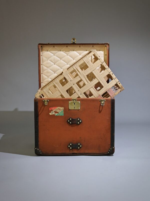 aveled-trunk-louis-vuitton-thumbnail-product-5304A-2