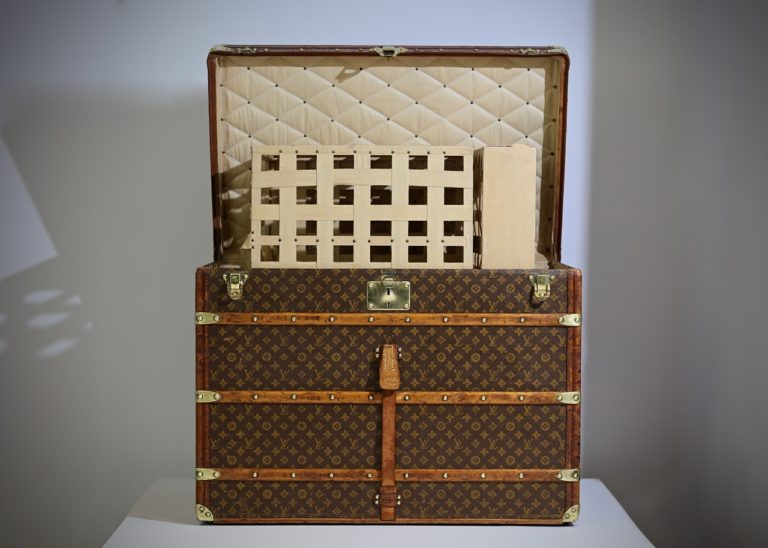 the-well-traveled-trunk-louis-vuitton-thumbnail-product-5648-14
