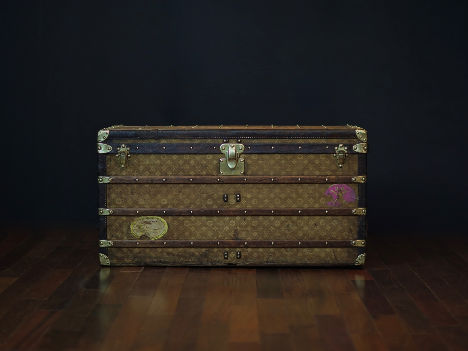 the-well-traveled-trunk-louis-vuitton-thumbnail-product-5651-1