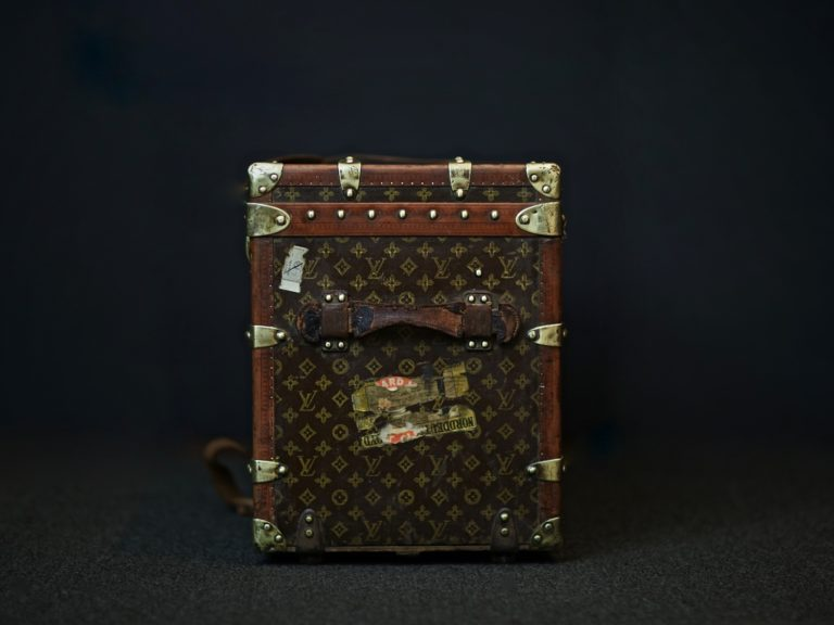 the-well-traveled-trunk-louis-vuitton-thumbnail-product-5653-3