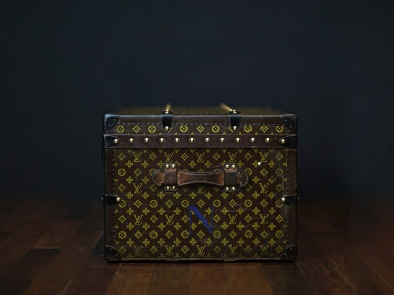 the-well-traveled-trunk-louis-vuitton-thumbnail-product-5654-2