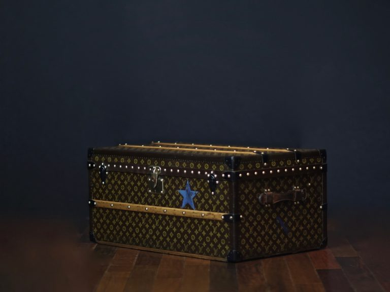 the-well-traveled-trunk-louis-vuitton-thumbnail-product-5654-6