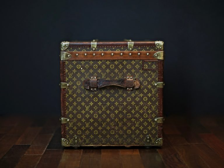 the-well-traveled-trunk-louis-vuitton-thumbnail-product-5655-5