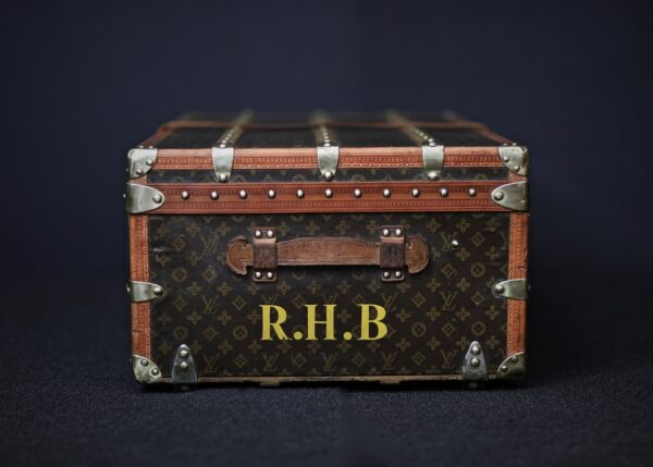 the-well-traveled-trunk-louis-vuitton-thumbnail-product-5656-4