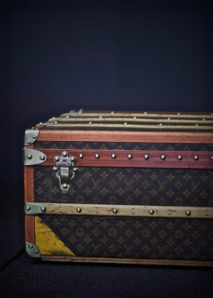 the-well-traveled-trunk-louis-vuitton-thumbnail-product-5656-5