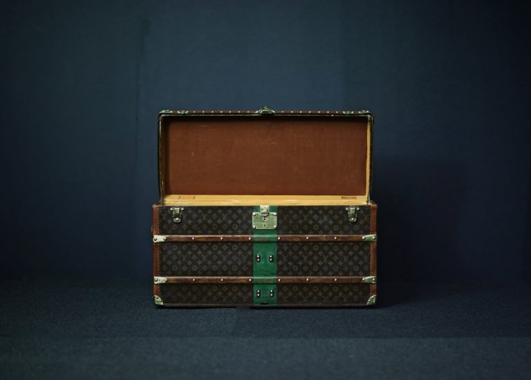 the-well-traveled-trunk-louis-vuitton-thumbnail-product-5657-2
