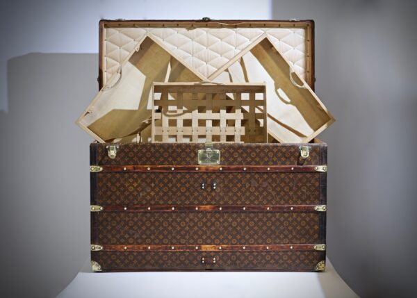 ell-traveled-trunk-louis-vuitton-thumbnail-product-5663-12