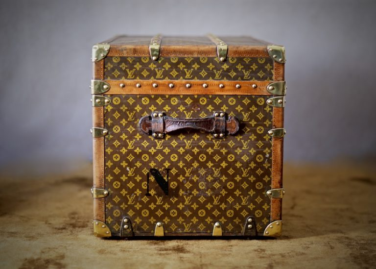 he-well-traveled-trunk-louis-vuitton-thumbnail-product-5660-3