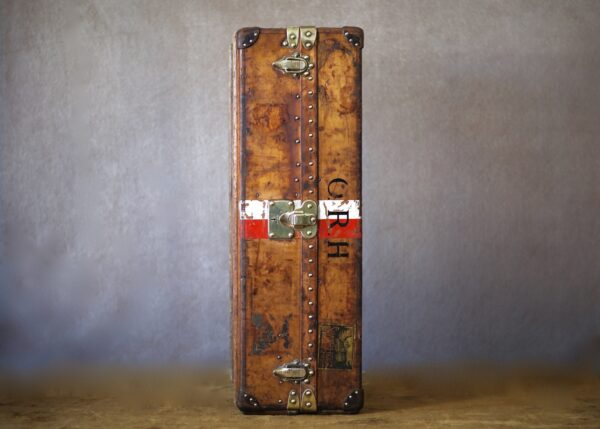 the-well-traveled-trunk-louis-vuitton-thumbnail-product-5661-3