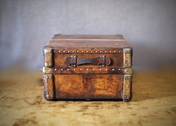 the-well-traveled-trunk-louis-vuitton-thumbnail-product-5661-4