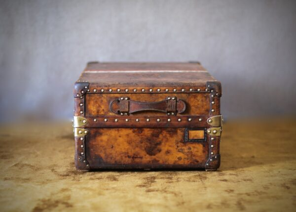 the-well-traveled-trunk-louis-vuitton-thumbnail-product-5661-5