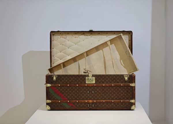 the-well-traveled-trunk-louis-vuitton-thumbnail-product-5665-2
