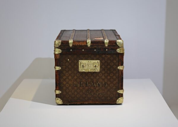 the-well-traveled-trunk-louis-vuitton-thumbnail-product-5665-3