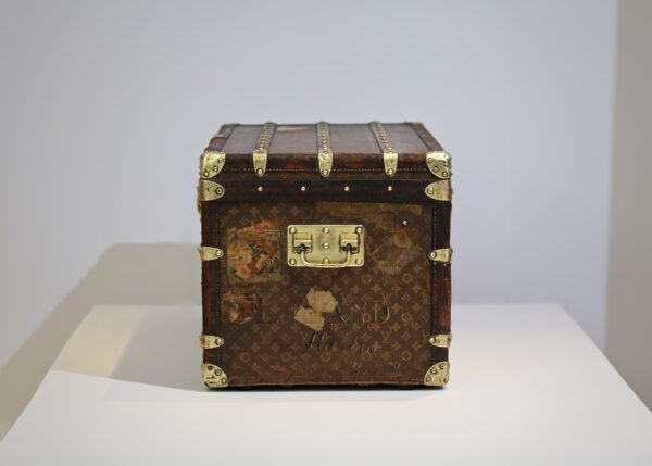 the-well-traveled-trunk-louis-vuitton-thumbnail-product-5665-4