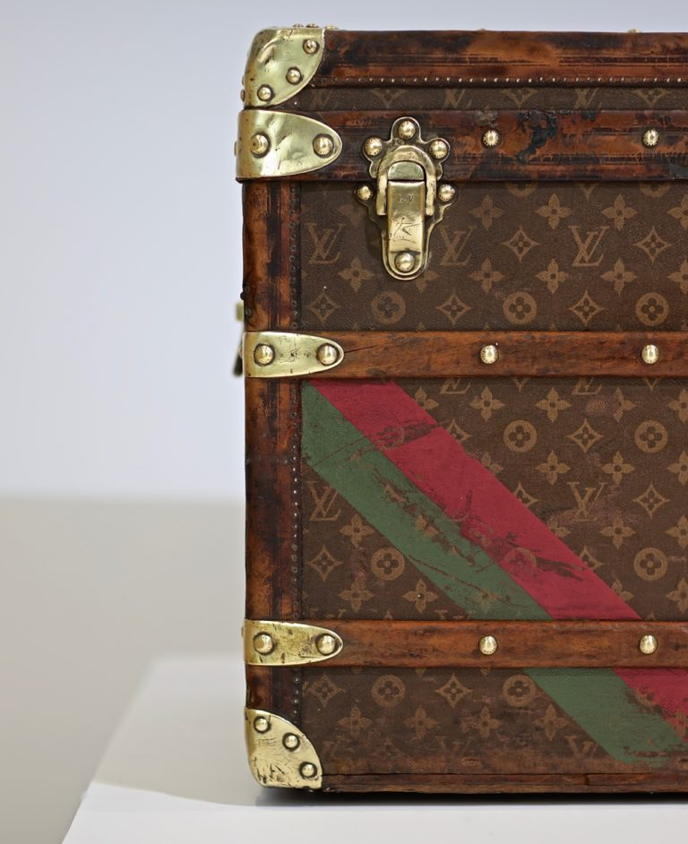 the-well-traveled-trunk-louis-vuitton-thumbnail-product-5665-5
