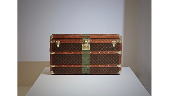 the-well-traveled-trunk-louis-vuitton-homepage-green-band