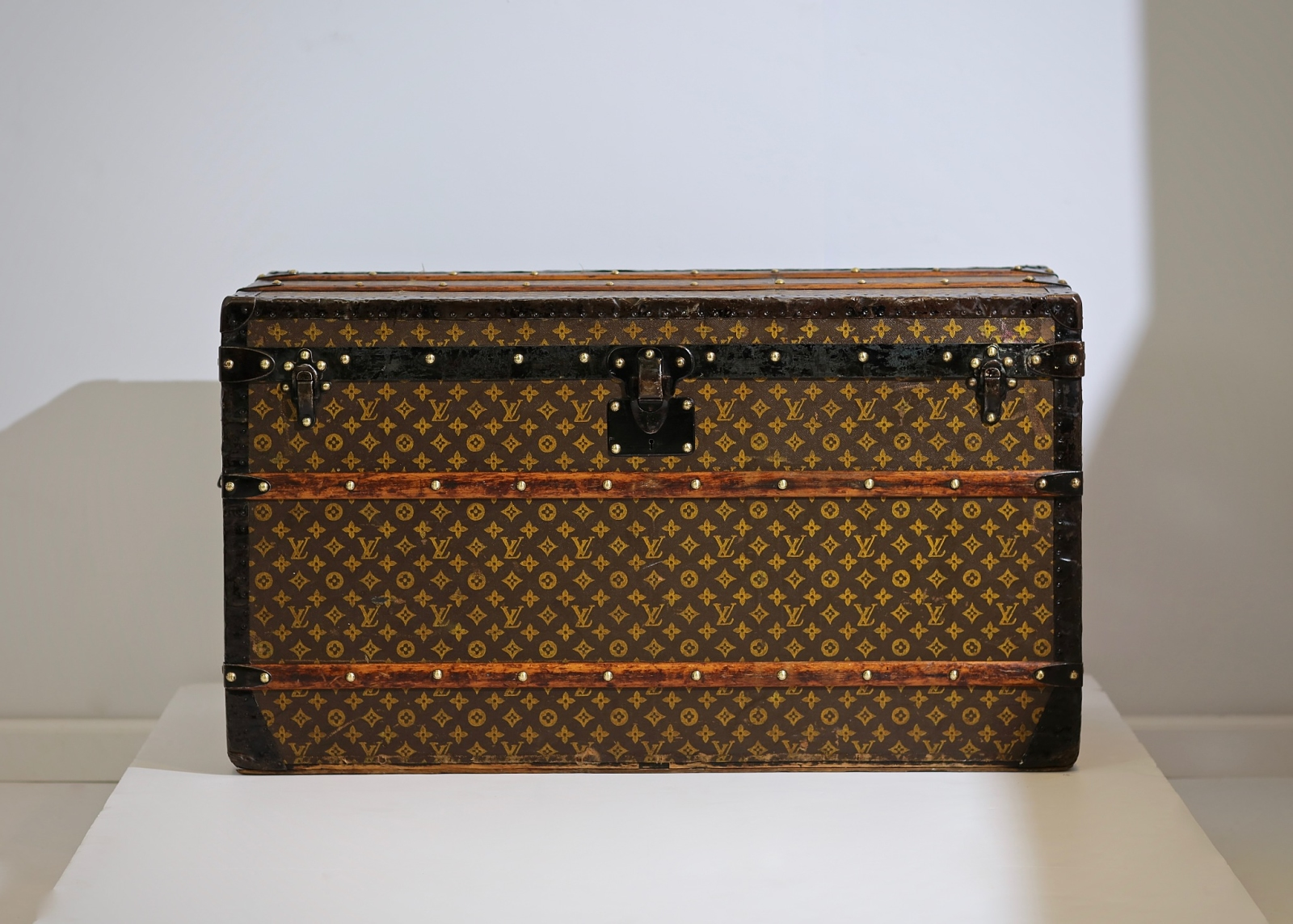 aveled-trunk-louis-vuitton-thumbnail-product-5669-1