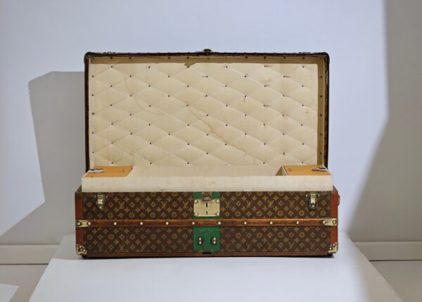 ell-traveled-trunk-louis-vuitton-thumbnail-product-5667-2