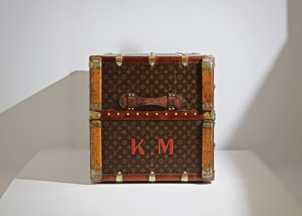 the-well-traveled-trunk-louis-vuitton-thumbnail-product-5668-3
