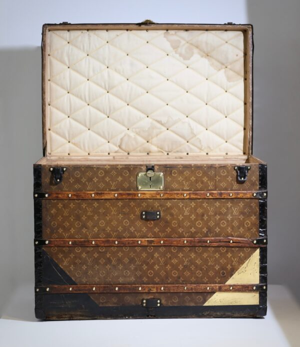 aveled-trunk-louis-vuitton-thumbnail-product-5670-2