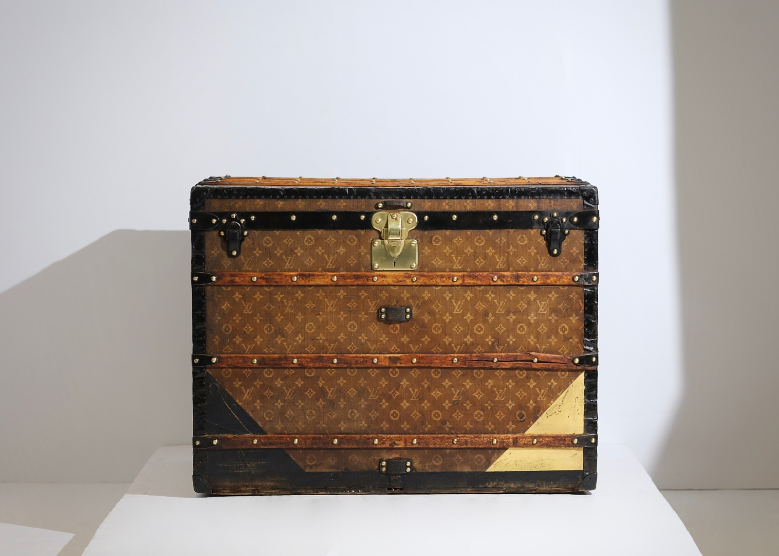 aveled-trunk-louis-vuitton-thumbnail-product-5670-11
