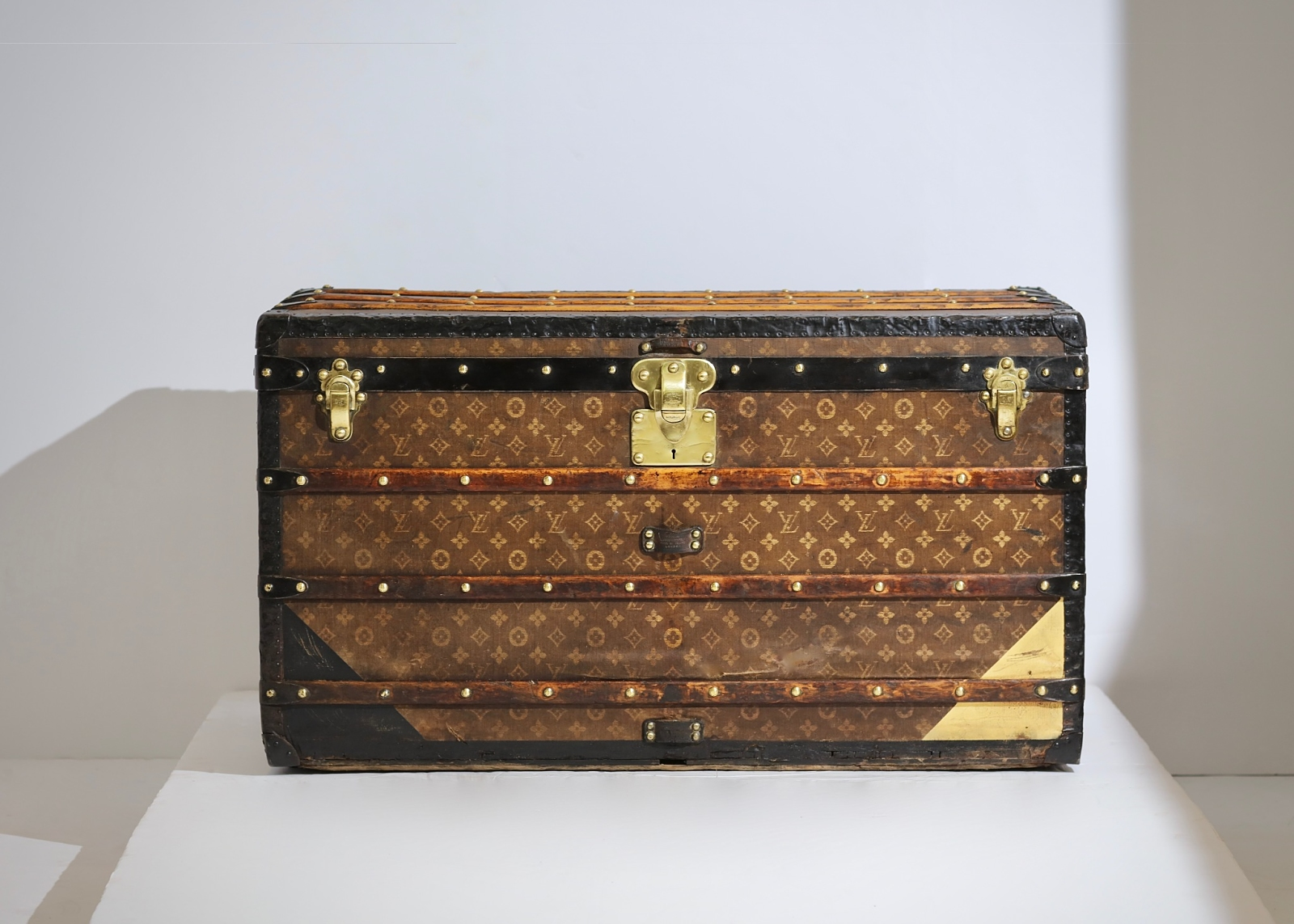 aveled-trunk-louis-vuitton-thumbnail-product-5671-11