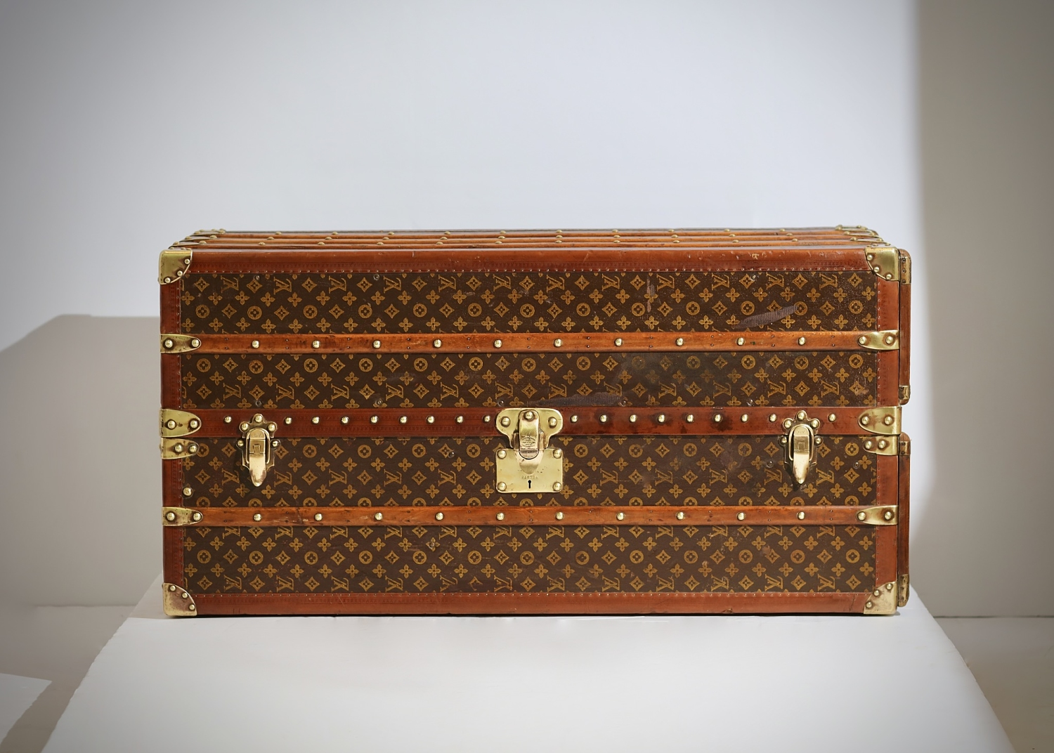 aveled-trunk-louis-vuitton-thumbnail-product-5675-1