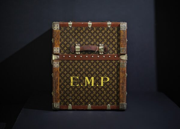the-well-traveled-trunk-louis-vuitton-thumbnail-product-5678-6