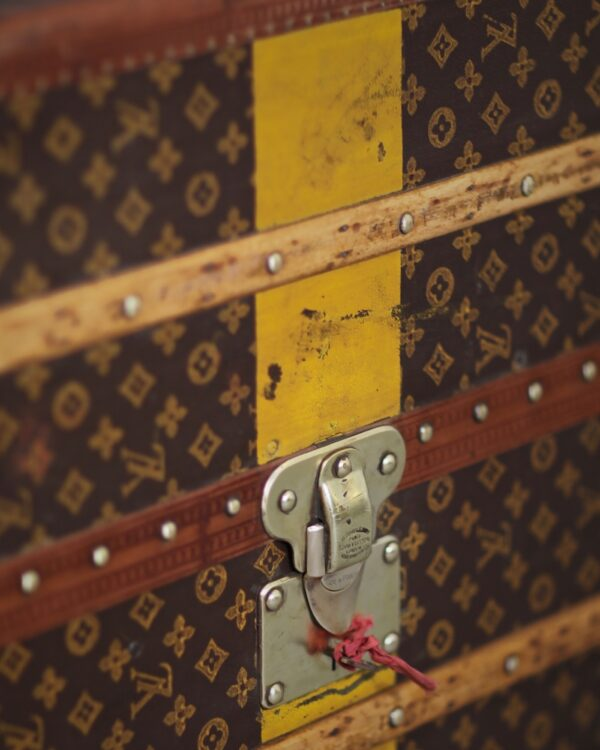 -well-traveled-trunk-louis-vuitton-thumbnail-product-5686-8
