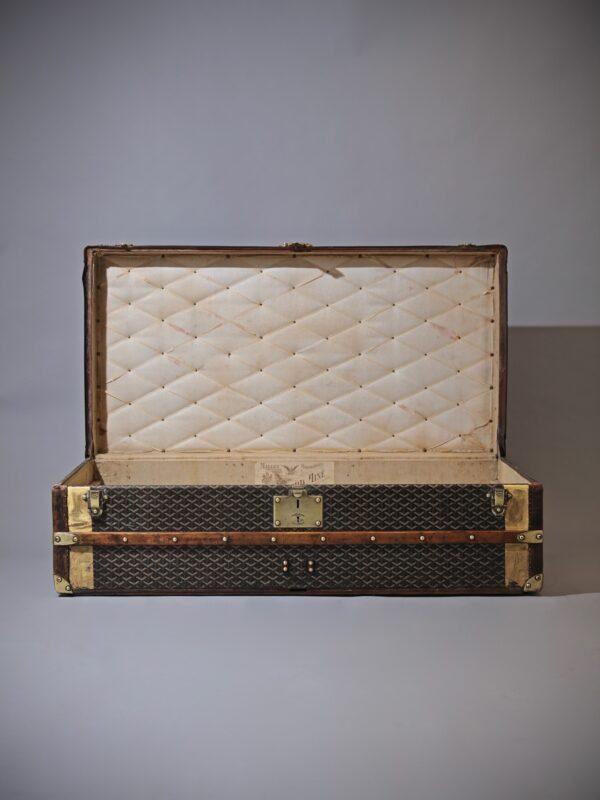 eled-trunk-goyard-thumbnail-product-5692C-1