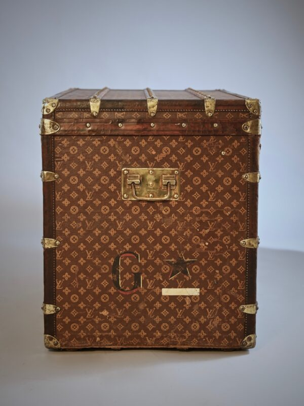 he-well-traveled-trunk-louis-vuitton-thumbnail-product-5696-5