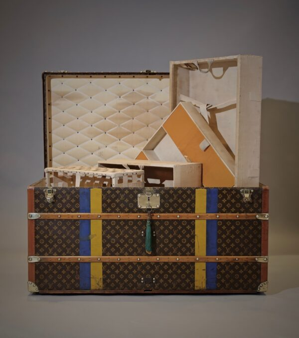 the-well-traveled-trunk-louis-vuitton-thumbnail-product-5697-3