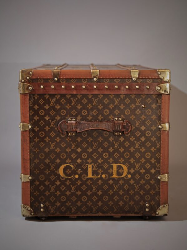 the-well-traveled-trunk-louis-vuitton-thumbnail-product-5697-4