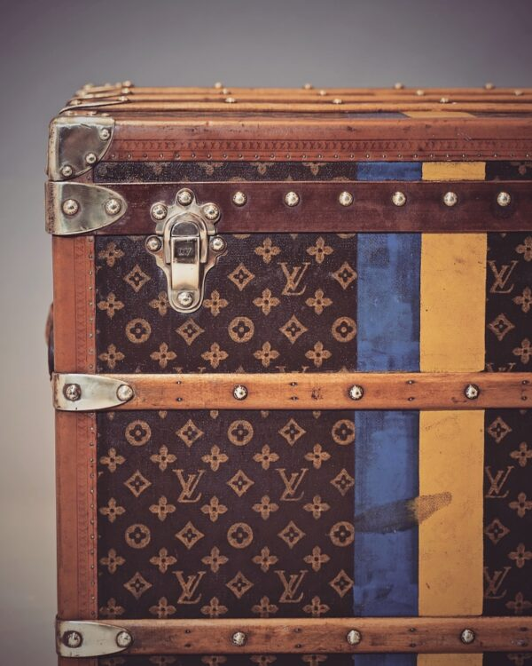 the-well-traveled-trunk-louis-vuitton-thumbnail-product-5697-5