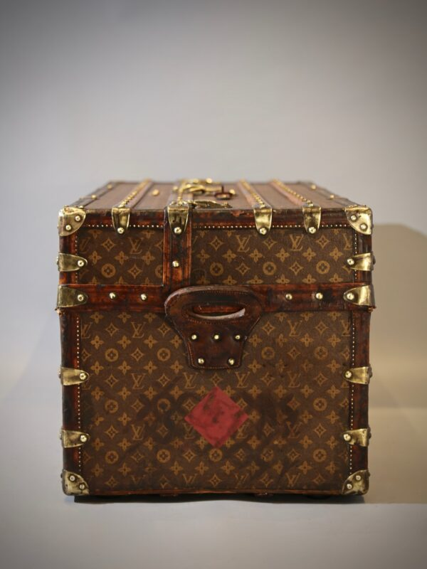 the-well-traveled-trunk-louis-vuitton-thumbnail-product-5698-6