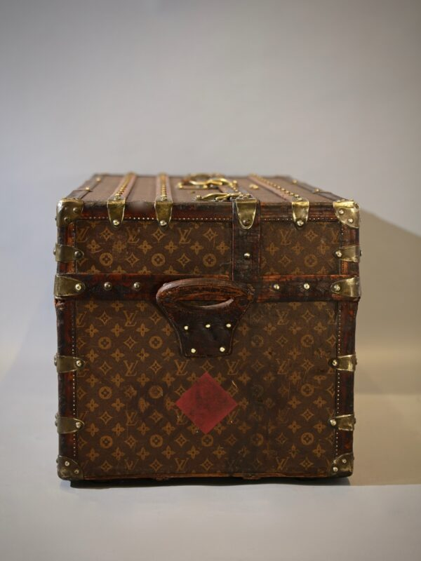 the-well-traveled-trunk-louis-vuitton-thumbnail-product-5698-8