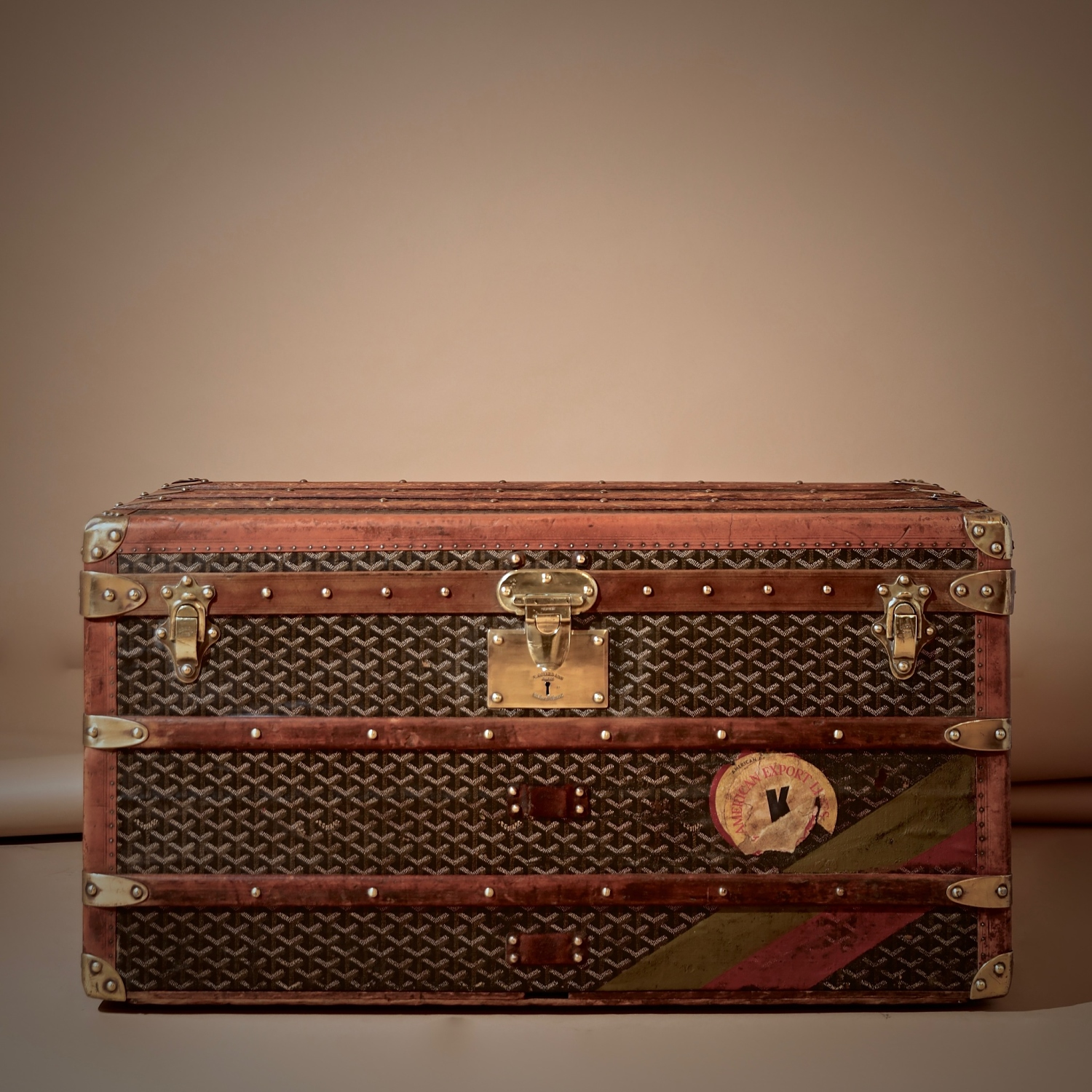 eled-trunk-goyard-thumbnail-product-5700C-1