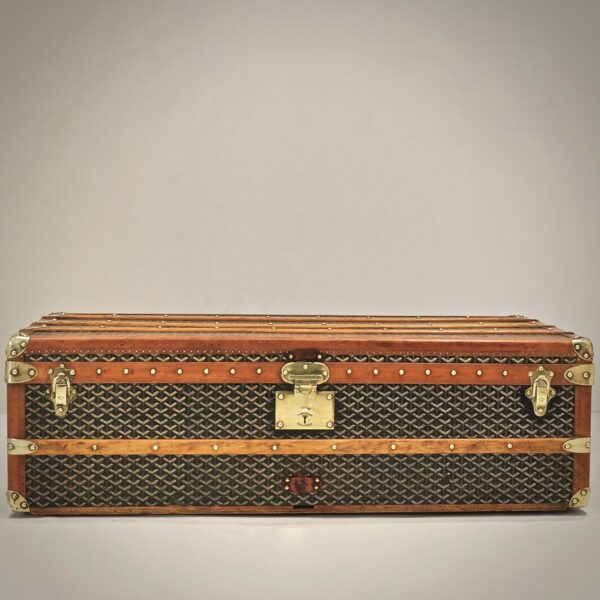 eled-trunk-goyard-thumbnail-product-5703