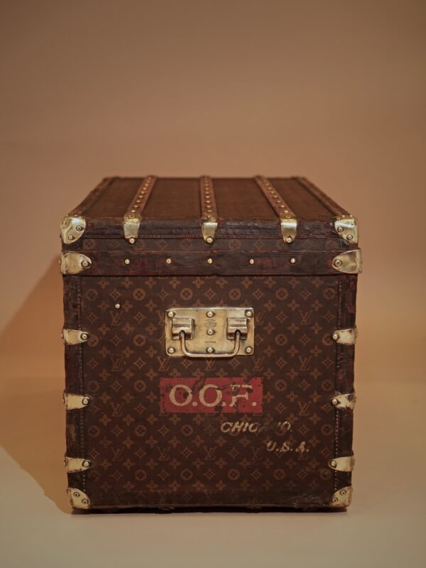 the-well-traveled-trunk-louis-vuitton-thumbnail-product-5710-5