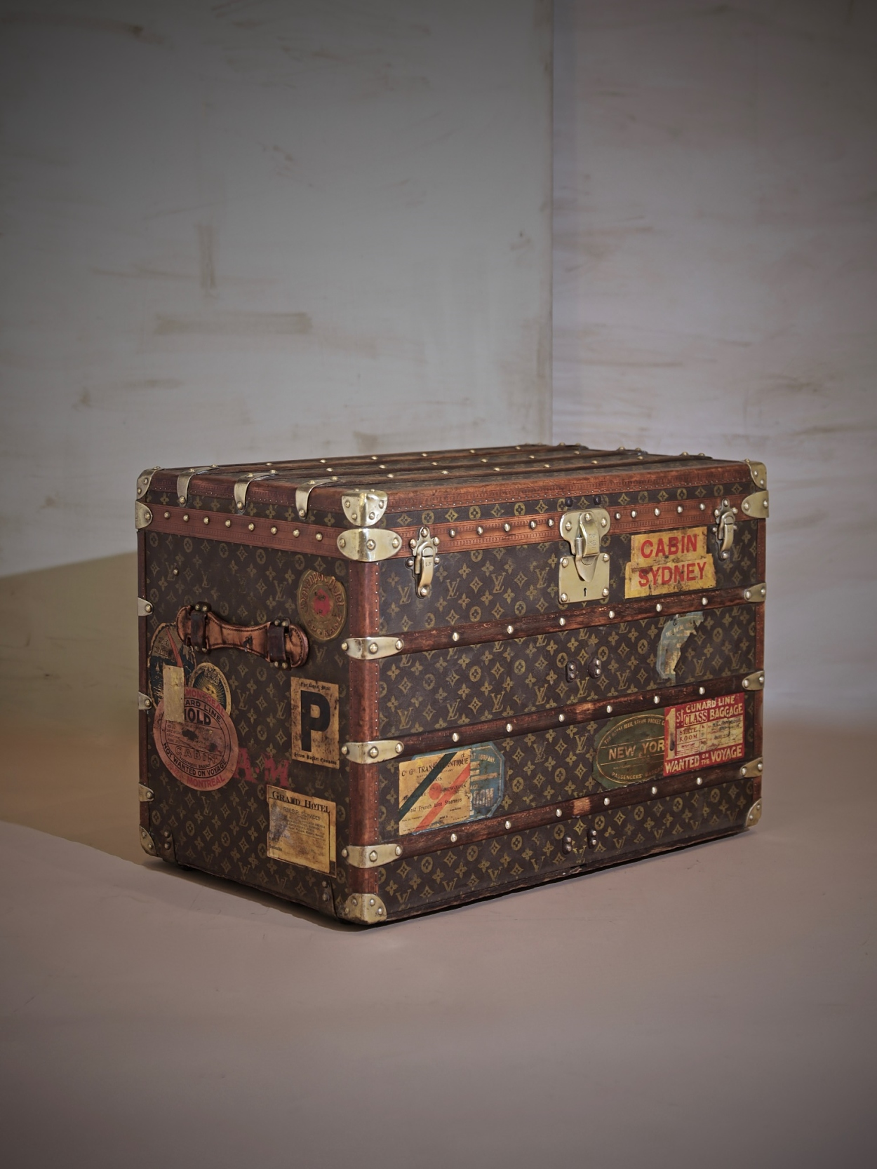 l-traveled-trunk-louis-vuitton-thumbnail-product-5709-1