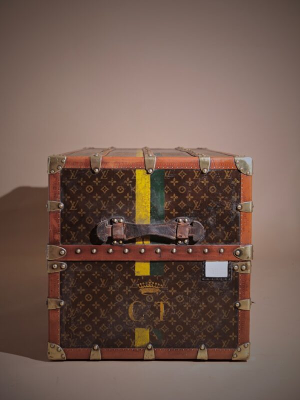 the-well-traveled-trunk-louis-vuitton-thumbnail-product-5711-4
