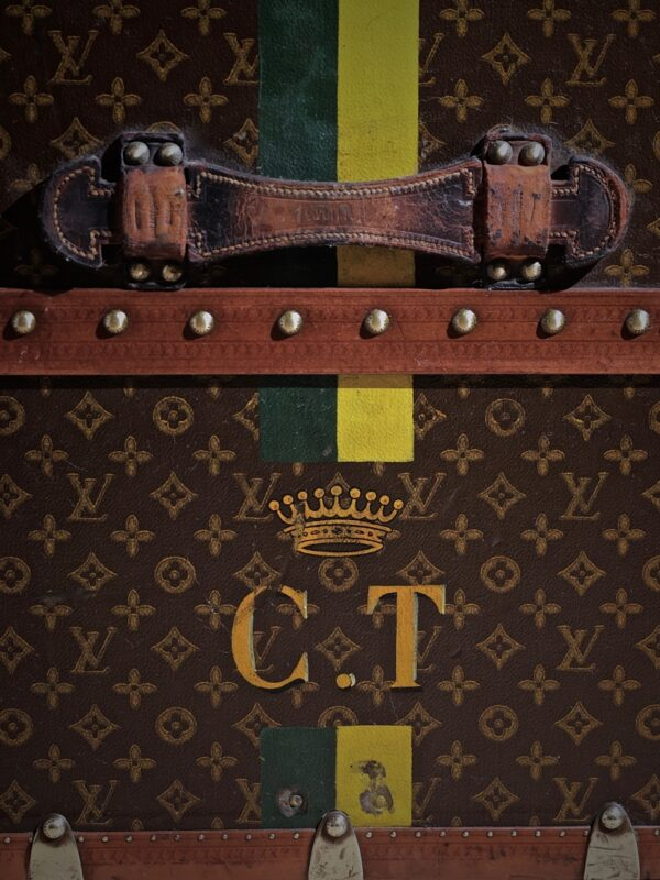 the-well-traveled-trunk-louis-vuitton-thumbnail-product-5711-5