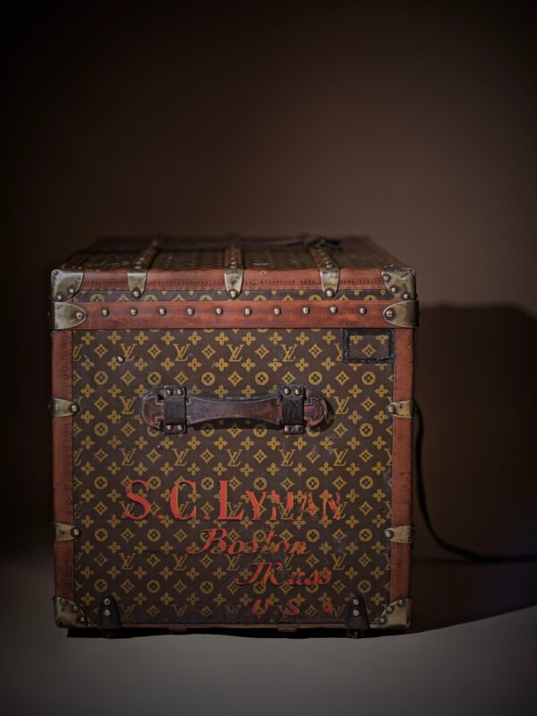 the-well-traveled-trunk-louis-vuitton-thumbnail-product-5712-4