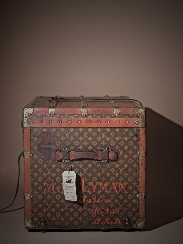 the-well-traveled-trunk-louis-vuitton-thumbnail-product-5712-5