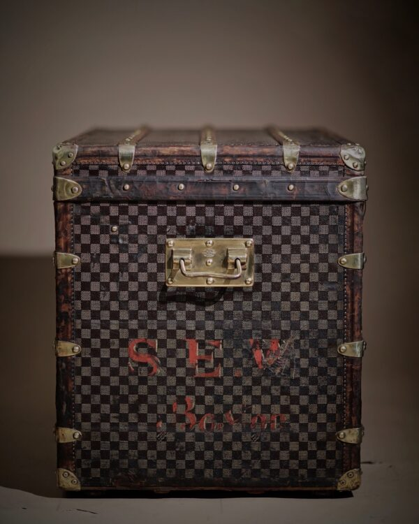 the-well-traveled-trunk-louis-vuitton-thumbnail-product-5715-8