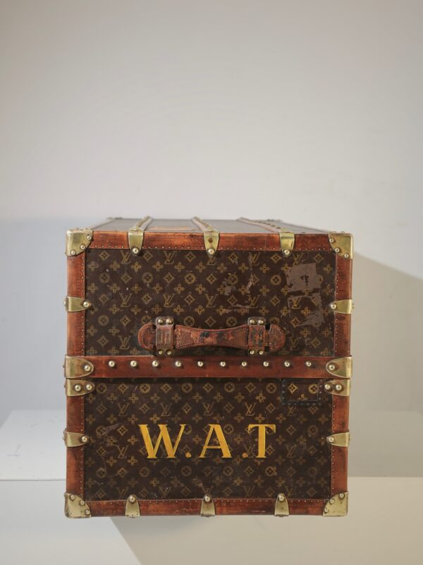 the-well-traveled-trunk-louis-vuitton-thumbnail-product-5721-4