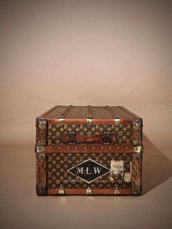 the-well-traveled-trunk-louis-vuitton-thumbnail-product-5724-6