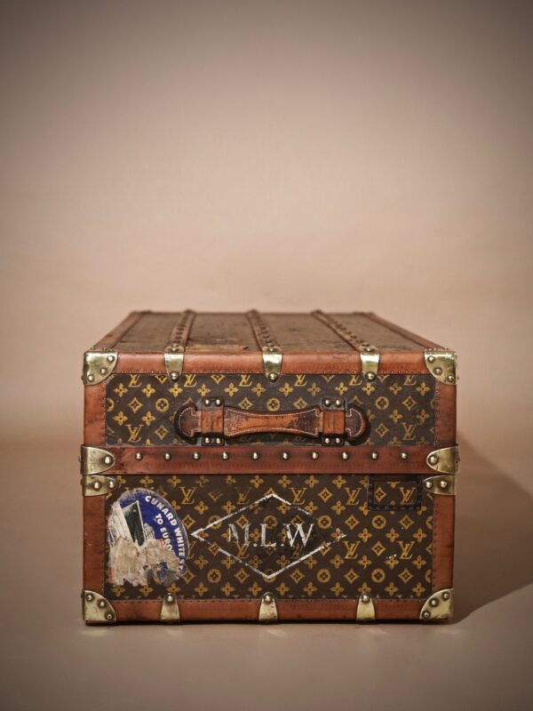 the-well-traveled-trunk-louis-vuitton-thumbnail-product-5724-7