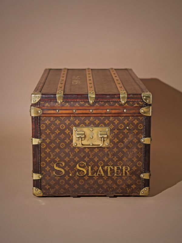 well-traveled-trunk-louis-vuitton-thumbnail-product-5725-4